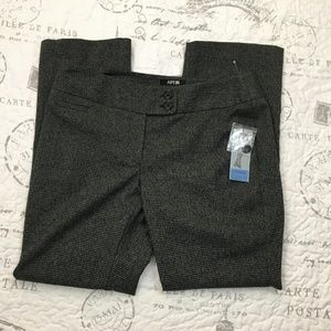 L- NWT women's APT 9 modern fit 10P gray pants